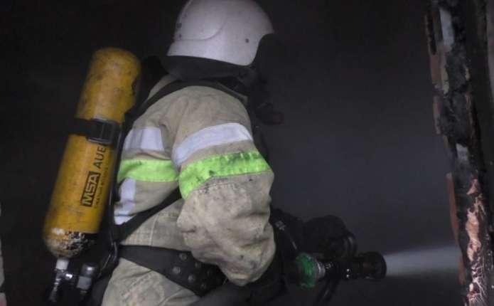 За вихідні на Буковині згоріли вщент 2 житлові будинки та автомобіль
