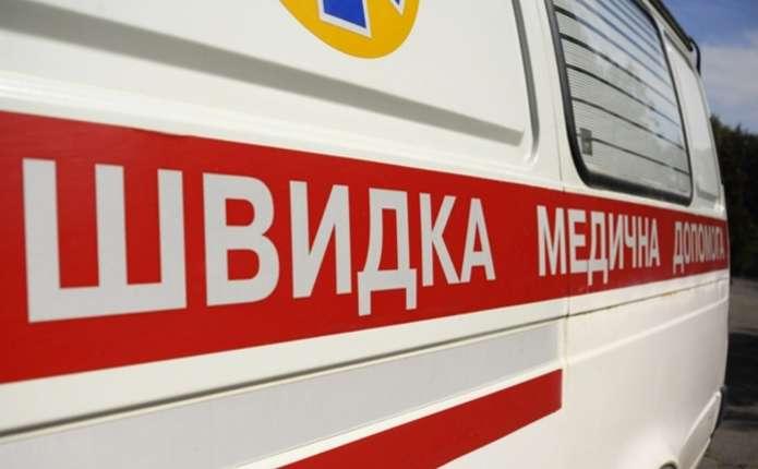 На проспекті Незалежності у Чернівцях під колеса машини попала 19-річна дівчина