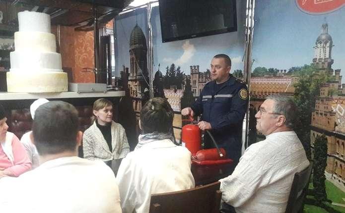 У Чернівцях кондитери ліквідували умовну пожежу - Погляд – новини ... 79ccef1263999