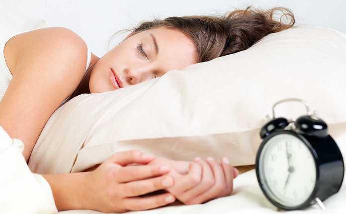 У МОЗ розповіли, cкільки годин треба спати дітям та дорослим