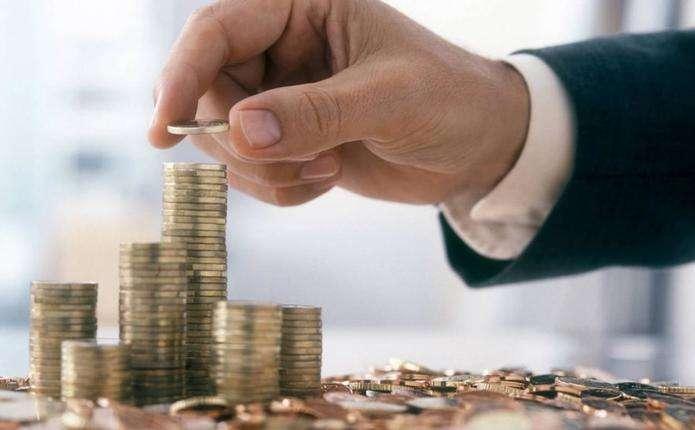 На Буковині майже 15 тисяч податкових боржників