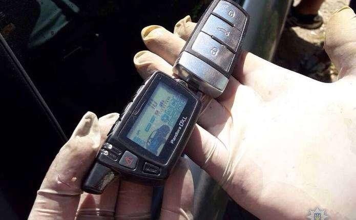 У Чернівцях поліція спіймала сканеристів, що обкрадали автівки