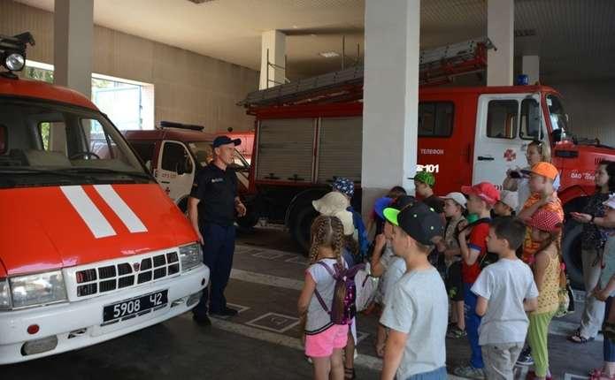 Рятувальники провели екскурсію для чернівецьких школярів - Погляд – новини  Чернівці e2ddd95938f90