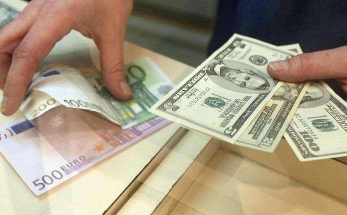 Курс валют на 18 липня: євро несуттєво подешевшав, а долар трохи подорожчав