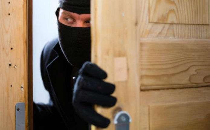 Злодій, який обчистив квартири чернівчан на 780 тис. грн., проведе 8 років за гратами