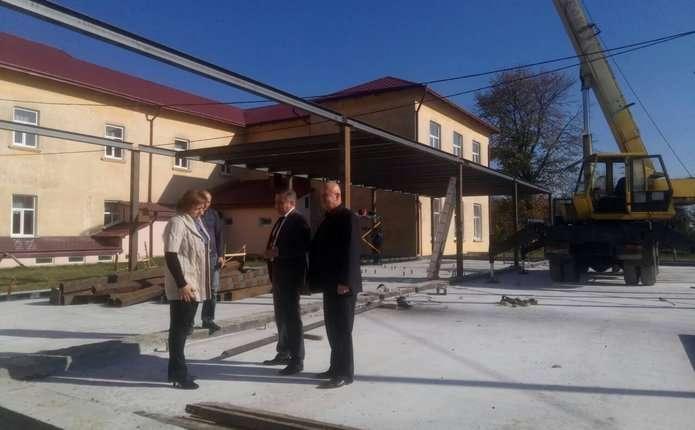 На Кіцманщині ремонтують школи та районну лікарню