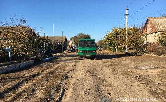 Водій мікроавтобуса двічі переїхав 1-річного малюка на Одещині