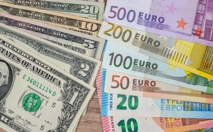 НБУ намагається втримати курс долара