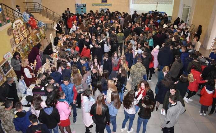 Понад 300 школярів на Буковині взяли участь у майстер-класах День зустрічі з професією