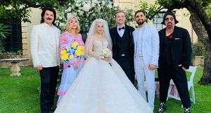 dce6a7a3341956 Співачка Аліна Гросу, яка втекла до РФ, показала весільні фото