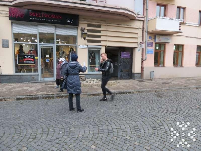 На вулиці Ольги Кобилянської у Чернівцях агітували кинути курити