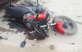 У селі Вашківці на Буковині зіткнулися ВАЗ і мотоцикл: постраждали неповнолітні