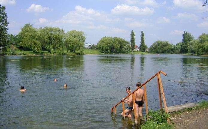 Літній відпочинок: купатися можна і засмагати теж