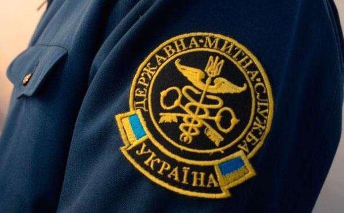 Держінспектора Чернівецької митниці судитимуть за одержання хабаря