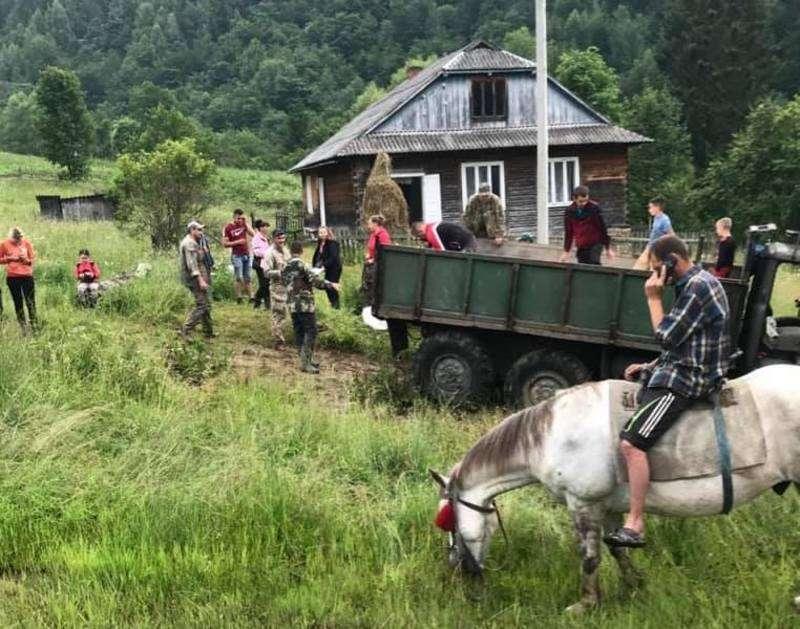 Просять підтримати жителів Путильщини, які через паводок залишилися відрізаними від світу