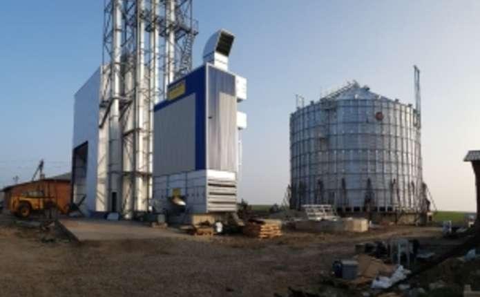 На Буковині триває будівництво 4 об'єктів зберігання та переробки зерна