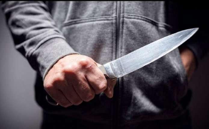 У Чернівцях на території гуртожитків порізали чоловіка