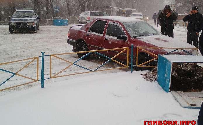Через заметіль у Глибоці не розминулись два автомобілі