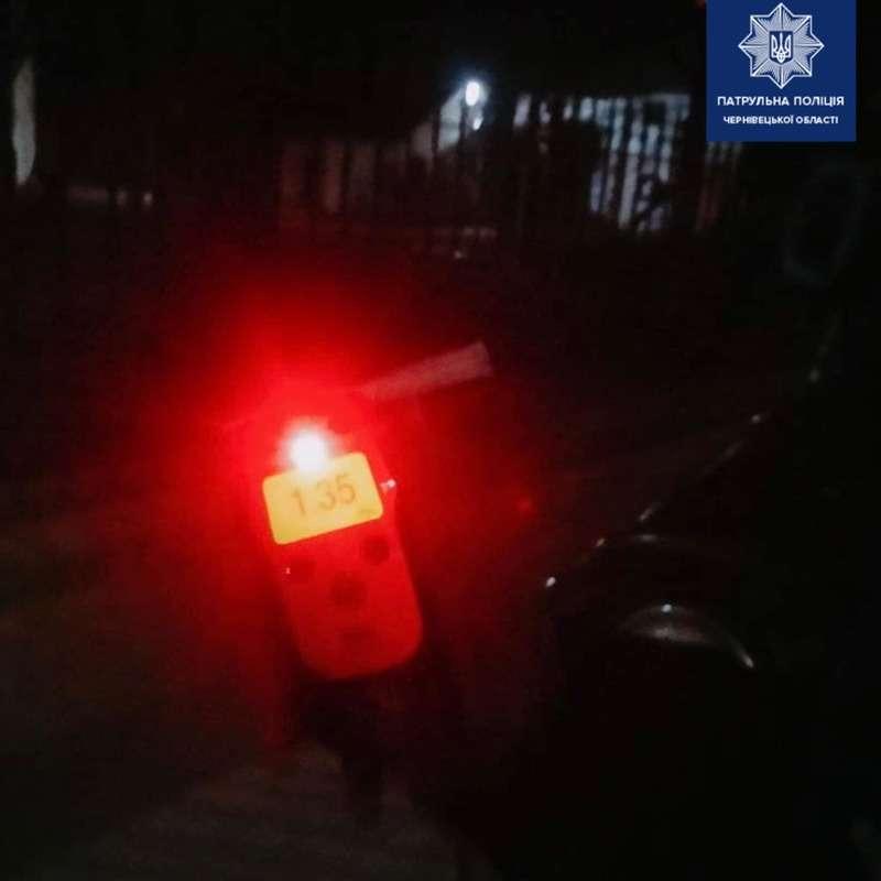На Буковині друг п'яного водія намагався підкупити патрульних